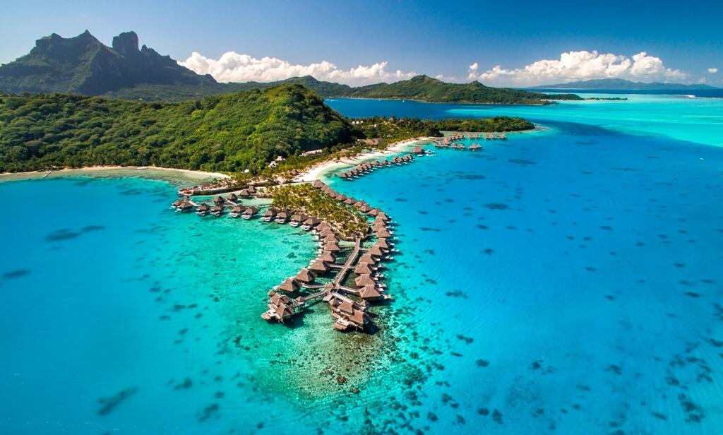 Regis West Island